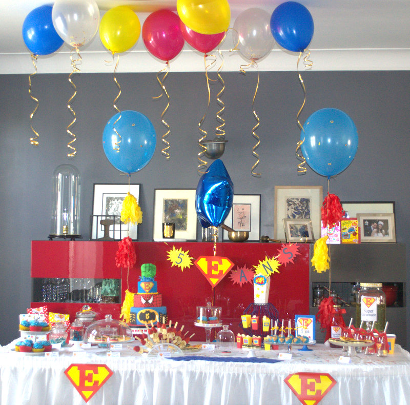 anniversaire super h ros organisation baby shower anniversaire enfants et bapt me. Black Bedroom Furniture Sets. Home Design Ideas