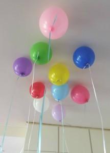 ballons au plafond