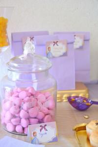 Sweet Table Anniversaire Princesse Sofia sachets cadeaux aux invités