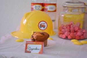anniversaire pompier  piques cup cakes