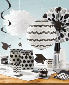 Décoration thème chevrons décoration boule alvéolée noir et blanc