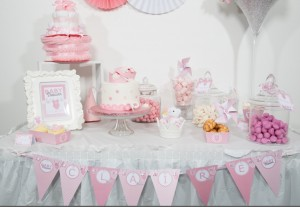 sweet table baby shower fille rose et violet