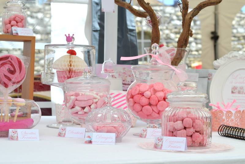 candy bar ou bar bonbons organisation baby shower. Black Bedroom Furniture Sets. Home Design Ideas