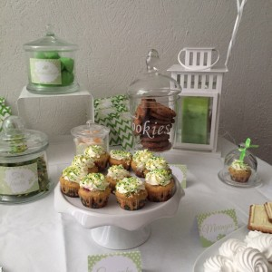 baby shower gourmandises sweet table vert et blanc