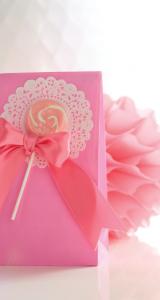 napperon sachet cadeau rose avec sucette