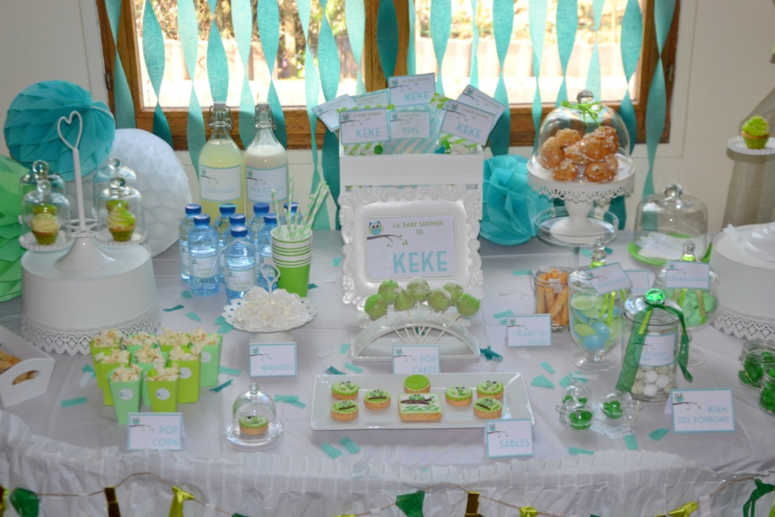 Baby shower vert hibou organisation baby shower - Idee deco table bapteme ...