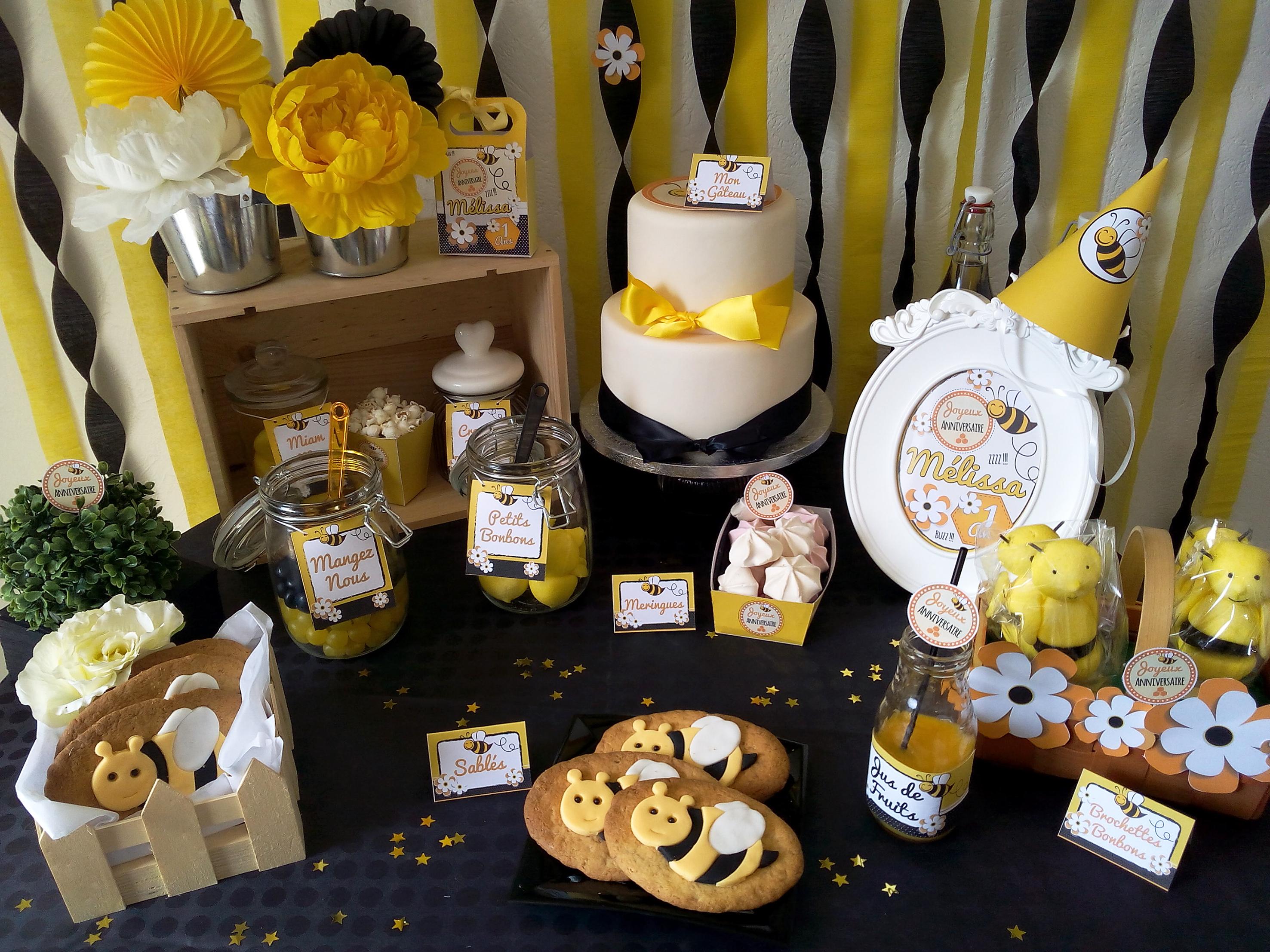 Anniversaire petite abeille organisation baby shower - Deco jaune et noir ...