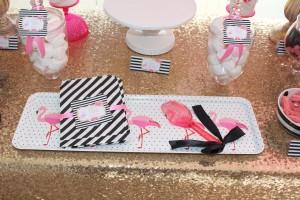 Baptême flamingo rose et noir à rayures