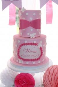 Fête de naissance rose design cake baby shower