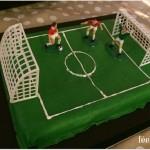 Anniversaire football gâteau terrain de foot