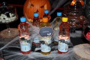 Sweet table halloween boissons sucrées personnalisées