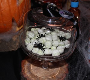 Sweet table halloween boules blanches