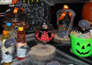 Sweet table halloween candy bar