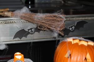 Sweet table halloween balais et chauve souris