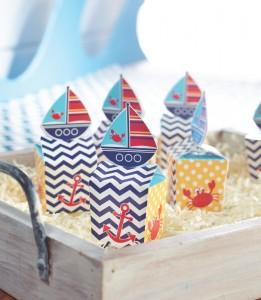 Premier anniversaire petit bateau petite boite cadeaux aux invités