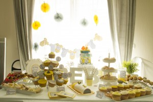 Baby shower jaune et grise sweet table baby shower
