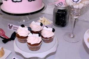 premier anniversaire minnie cupcakes blanc et noir