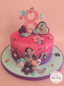 Anniversaire Violetta design cake