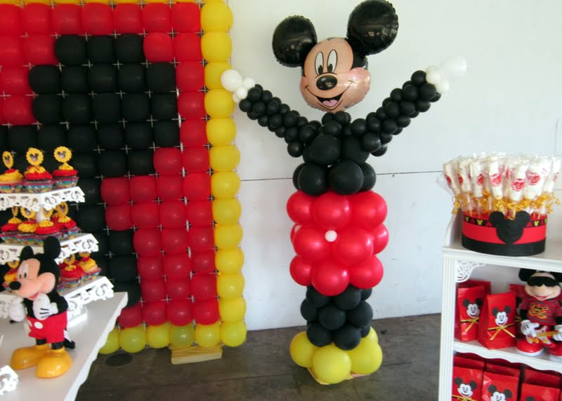 Decoration anniversaire mickey mouse - Decoration bapteme theme mickey ...