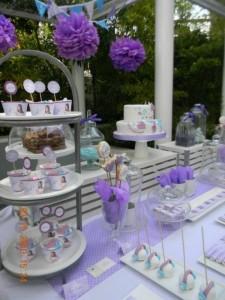 Anniversaire Violetta sweet table violet