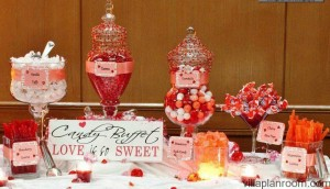 Décorations de tables saint Valentin candy bar rouge et rose