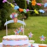 idée bannière gâteau avec pailles rétro