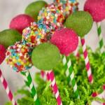 Pop cake fait avec des pailles rétro