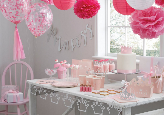 Anniversaire de princesse en rose et argent organisation for Decoration 1 an fille