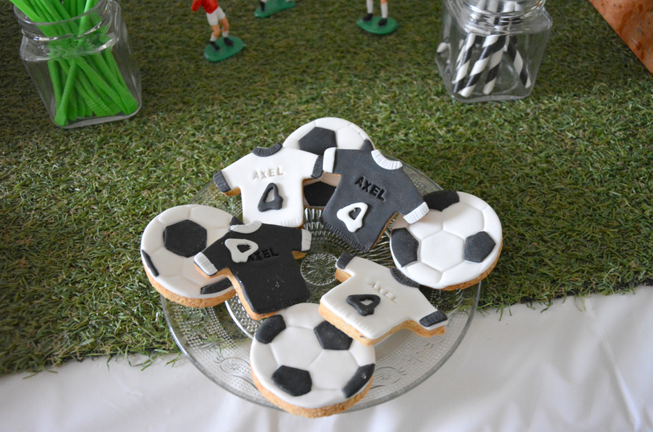 03 anniversaire th me football d coration sweet table organisation baby shower anniversaire - Decoration anniversaire football ...