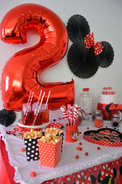 anniversaire minnie rouge et noir organisation baby shower anniversaire enfants et bapt me. Black Bedroom Furniture Sets. Home Design Ideas