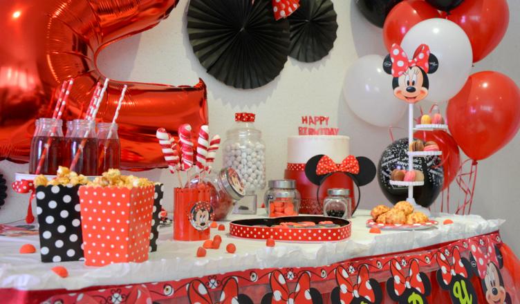 Anniversaire minnie rouge et noir organisation baby shower anniversaire enfants et bapt me - Decoration mickey anniversaire ...
