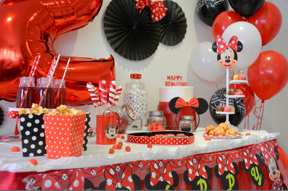 anniversaire minnie rouge et noir organisation baby. Black Bedroom Furniture Sets. Home Design Ideas