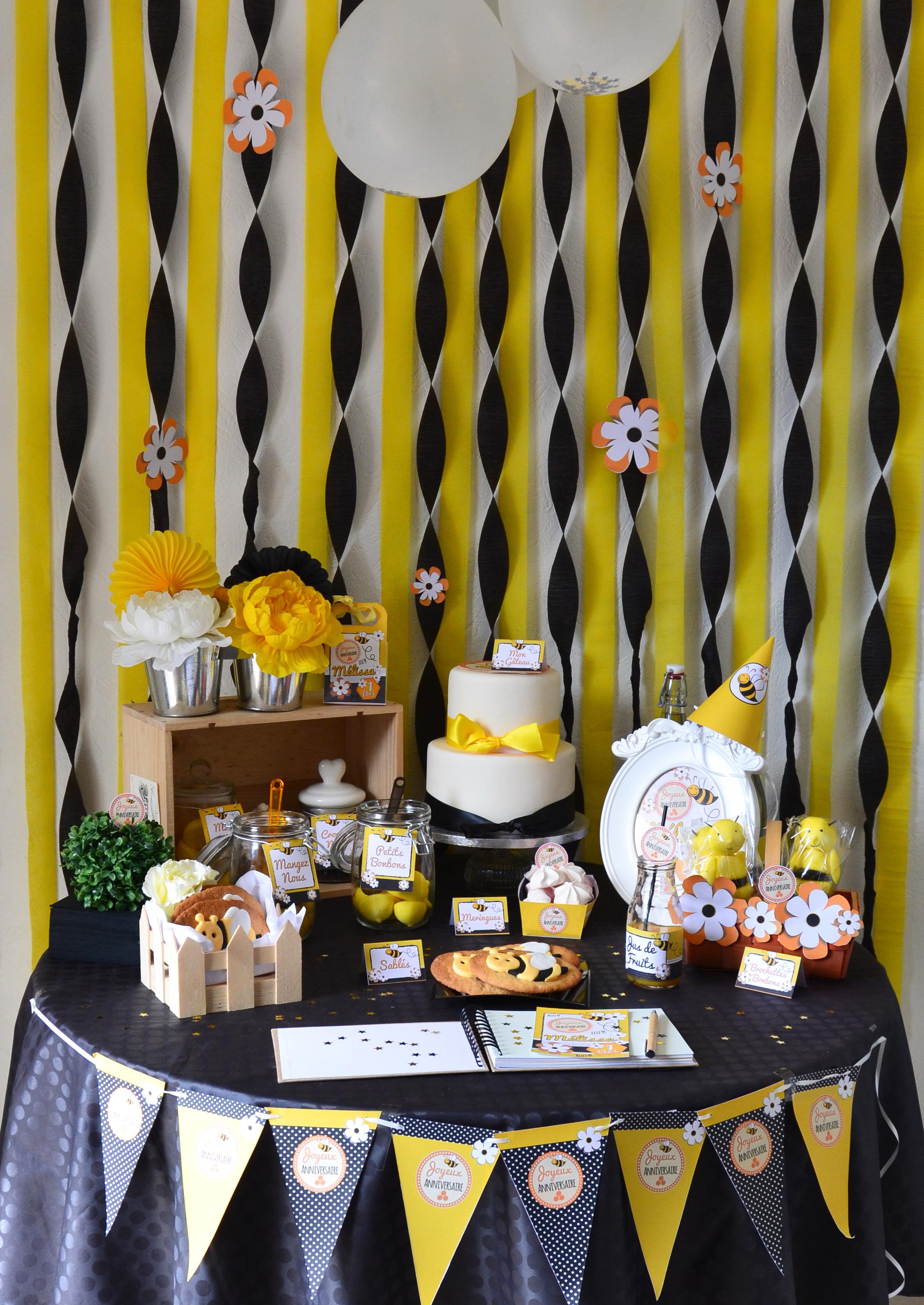 sweet table noir, jaune et orange thème abeilles